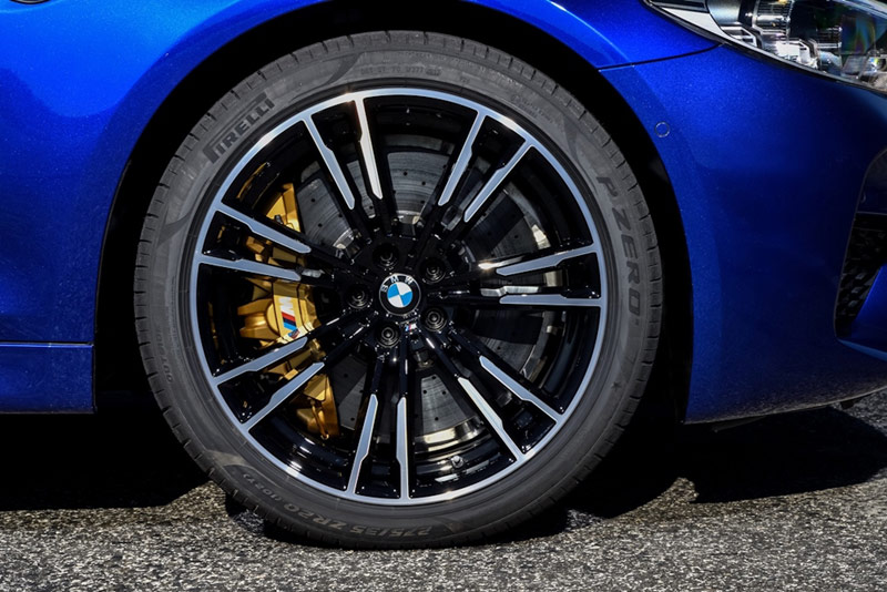 bmw m5 echipare anvelope pirelli pzero